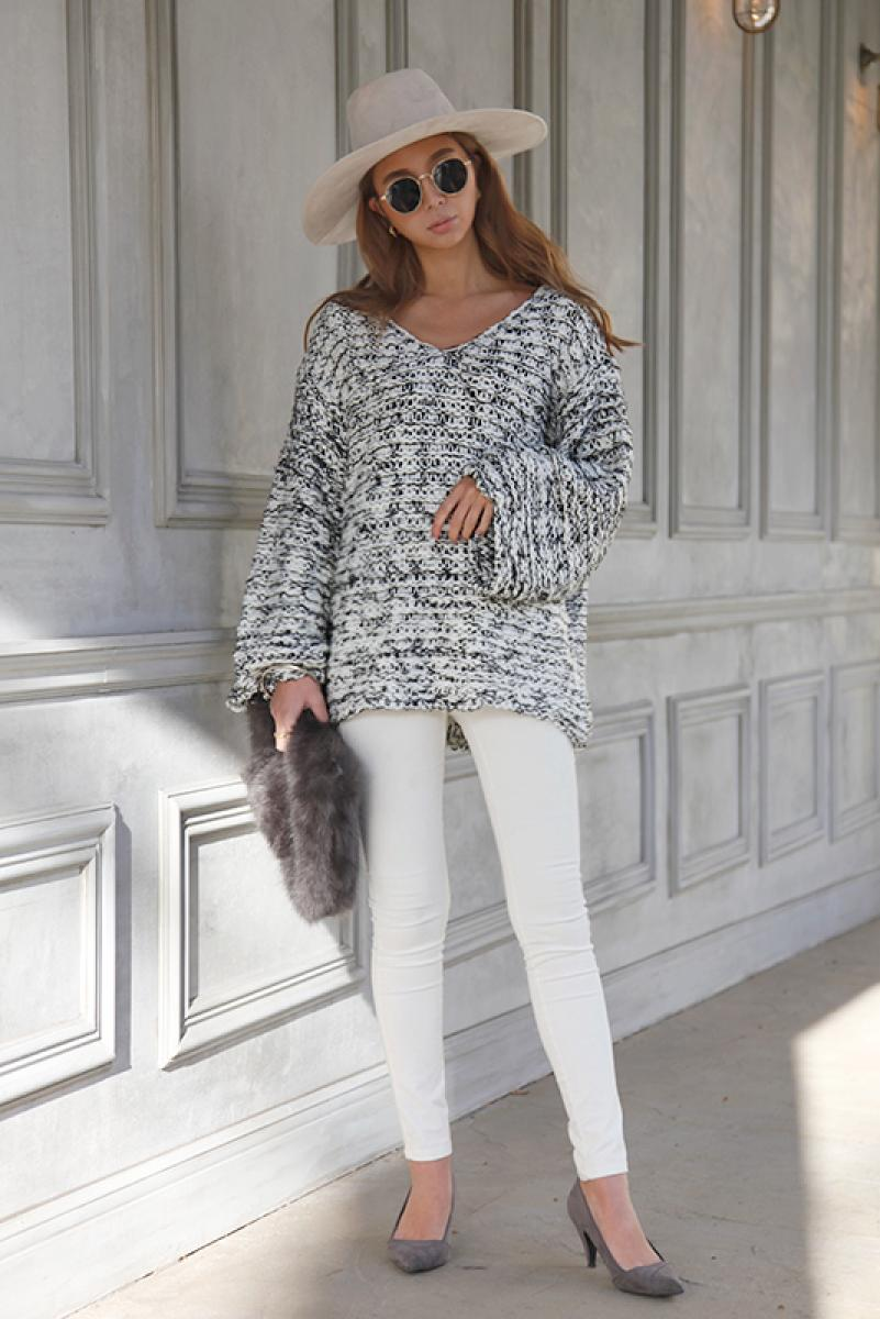 Over V-neck Knit Pullover