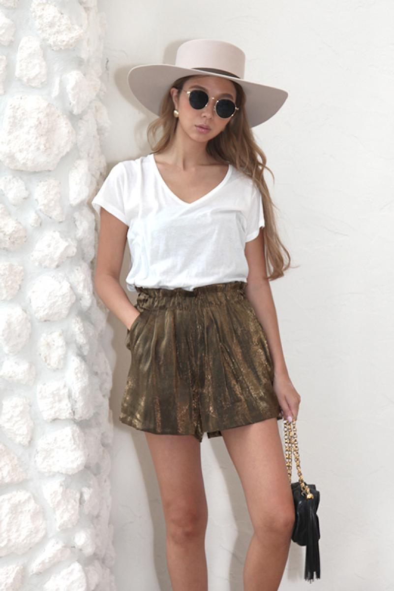 Shiny Relax Short Pants