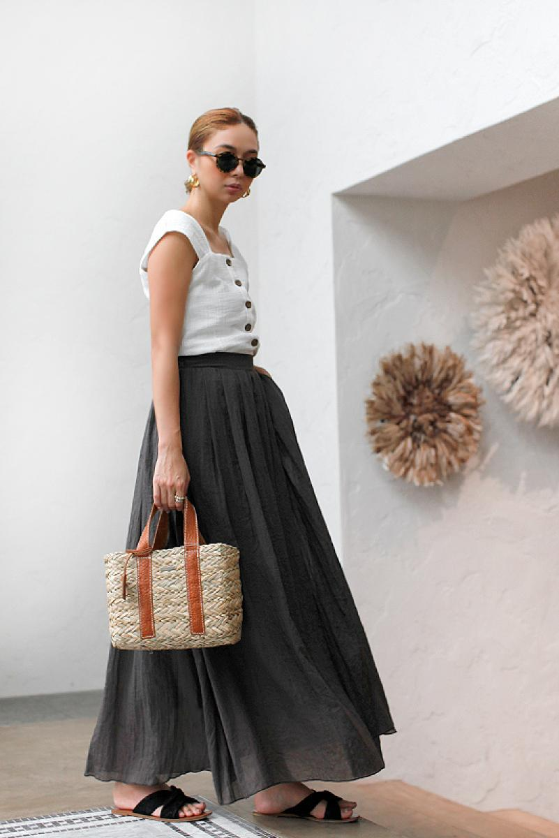 Tuck Design Flare Maxi Skirt