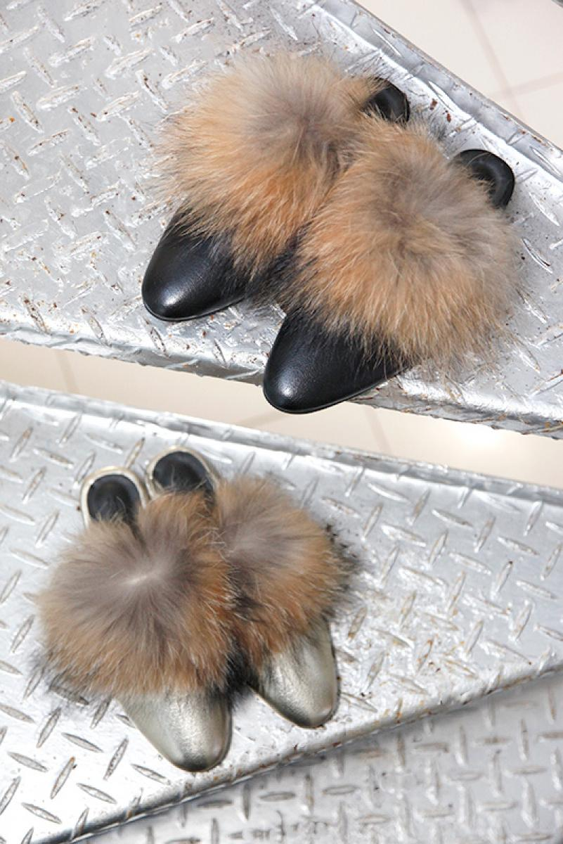Volume Fox Fur Sandal