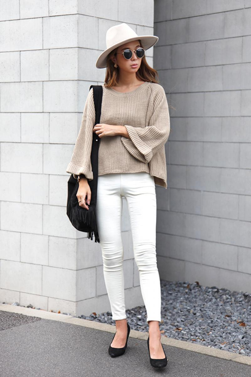 Flare Sleeve Loose Knit Tops