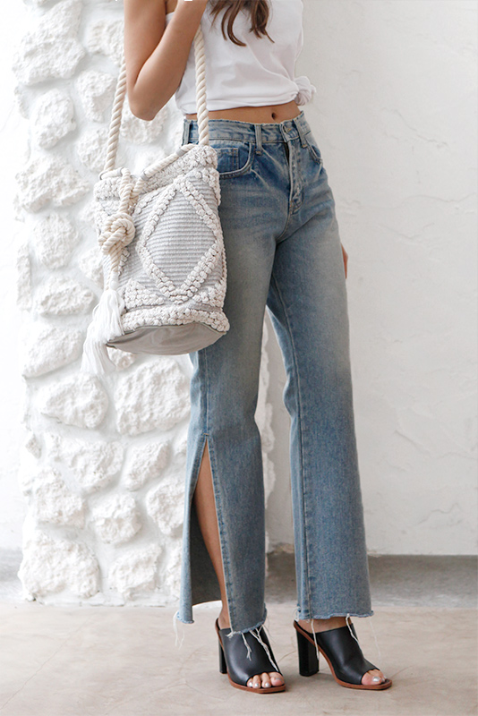 Slit Loose Straight Denim