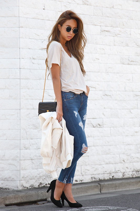 Side Slit Vneck T-shirt