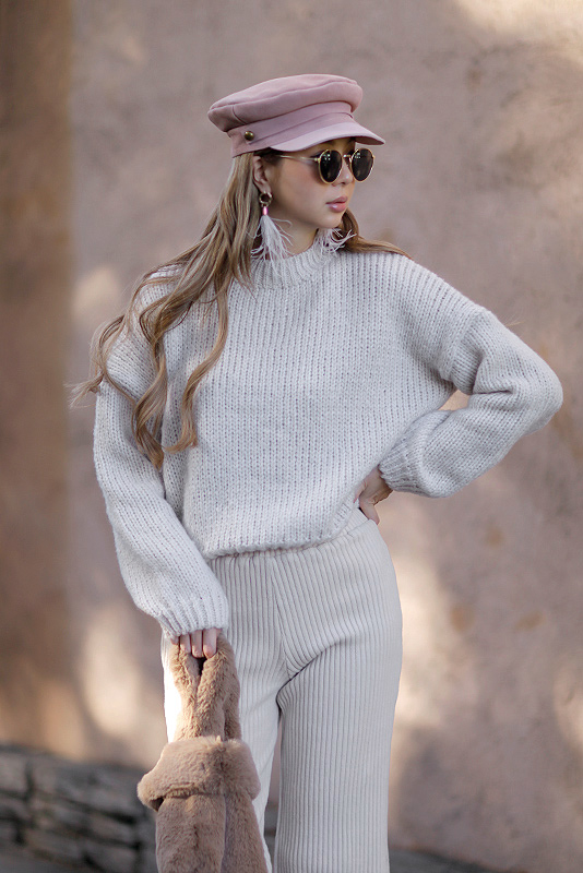 Hi-neck Braided Knit Tops