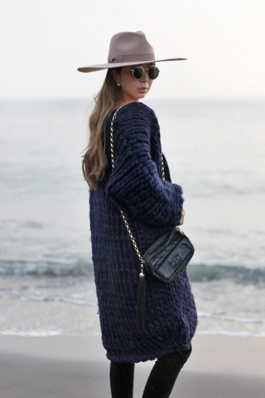 Lowgauge Long Knit Coat